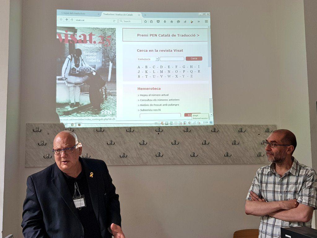 Quim Gestí, directorul revistei (împreună cu Montserrat Franquesa) și Xavier Montoliu Pauli, coordonatorul dosarului, la Universitatea din București.